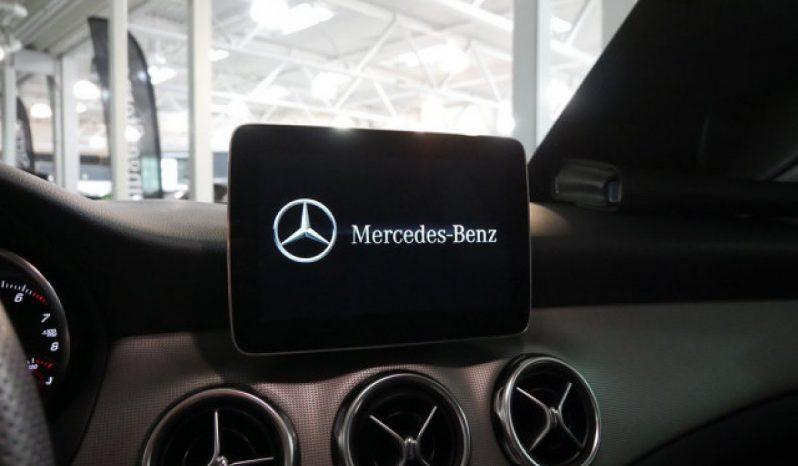 MERCEDES-BENZ GLA-KLASSE 200 U voll